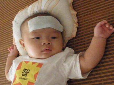 宝宝发烧怎么办 都是因为哪些原因