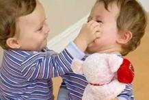 孩子生气要打人时父母该怎么办