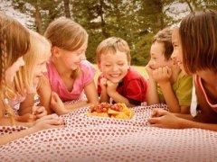 家长如何培养2岁孩子的社交能力