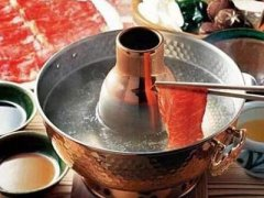 涮火锅吃这种肉体内竟全是虫子