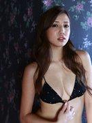 日本女星丸高爱实性感写真 挺胸翘臀十分诱人