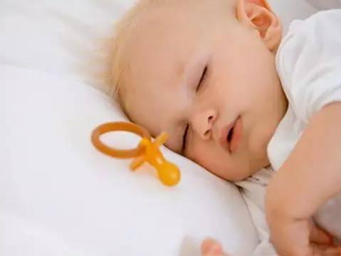 你家孩子的睡姿跟聪明程度有关哦