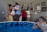 国外孕妇水中分娩全过程