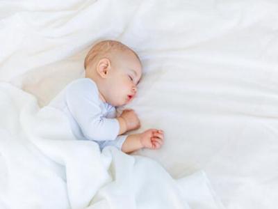 宝宝经常尿床可以这样做