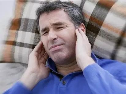 医学揭秘:耳朵嗡嗡响是怎么回事