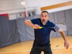 这样打羽毛球可以有效减肥