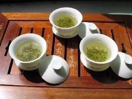 吸烟的人多喝茶真能减少危害吗?