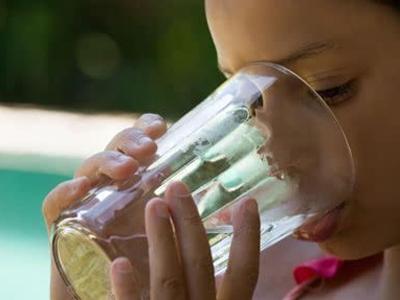 喝水减肥效果真的很明显吗
