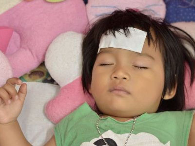 男童每天被扎200针 皆因坏死性脑病