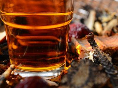 用药材泡酒有什么功效?