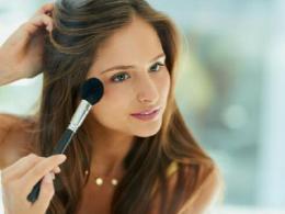 大脸变小脸的妆容推荐,不脱妆不伤肤