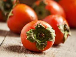 柿子虽然营养丰富,但这些人却不宜多吃