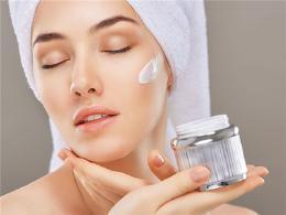 化妆后要想不伤皮肤该怎么做呢