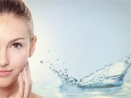 秋季做好保湿让你肌肤变水嫩嫩的