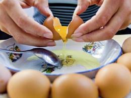 鸡蛋冲水到底好不好?这些利弊,要先想清楚